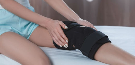 sleeping with knee brace